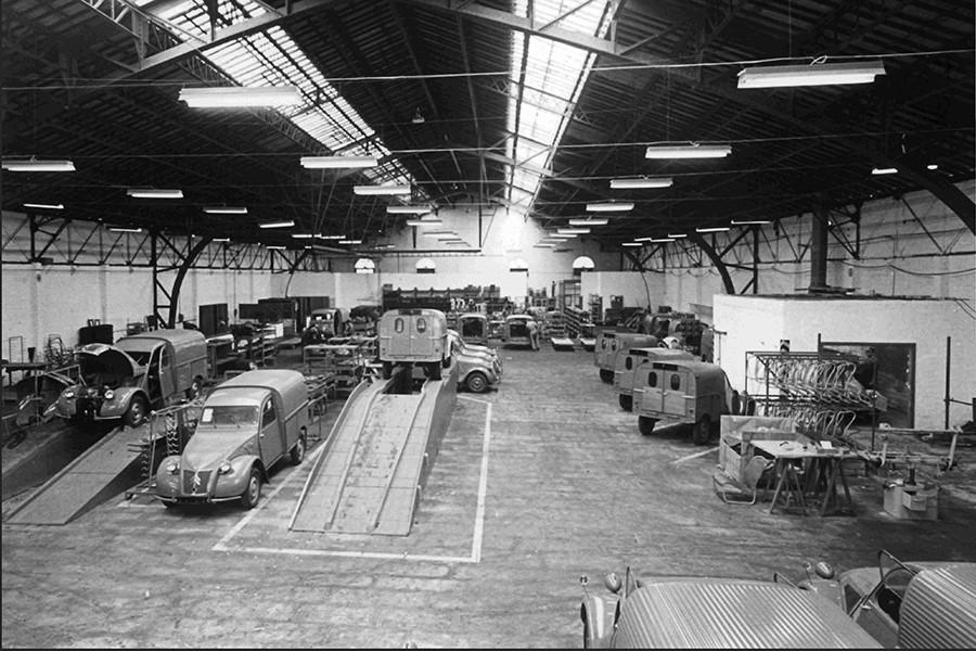 Las furgonetas han garantizado muchos puestos de trabajo a lo largo de 60 años en Vigo.