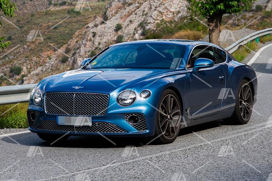 Fotos espía del Bentley Continental GT híbrido enchufable 2019