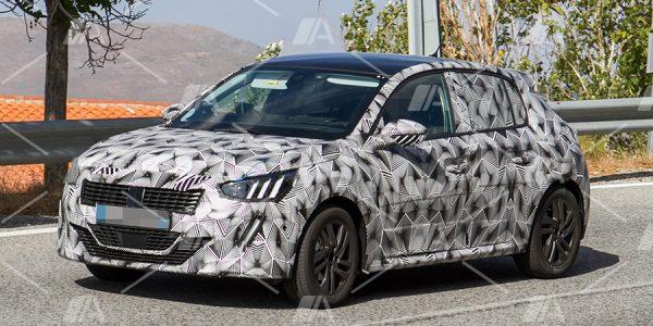 Fotos espía de la próxima generación del Peugeot 208 2019