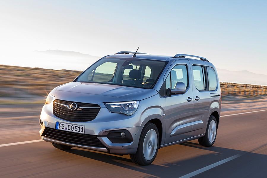 Por primera vez en Vigo se fabrica un Opel.