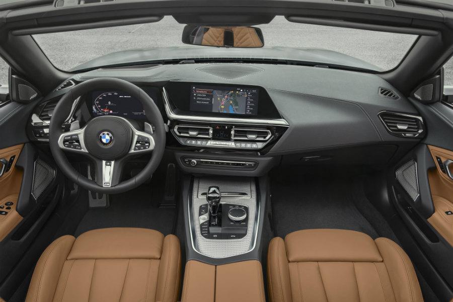 El interior es muy BMW