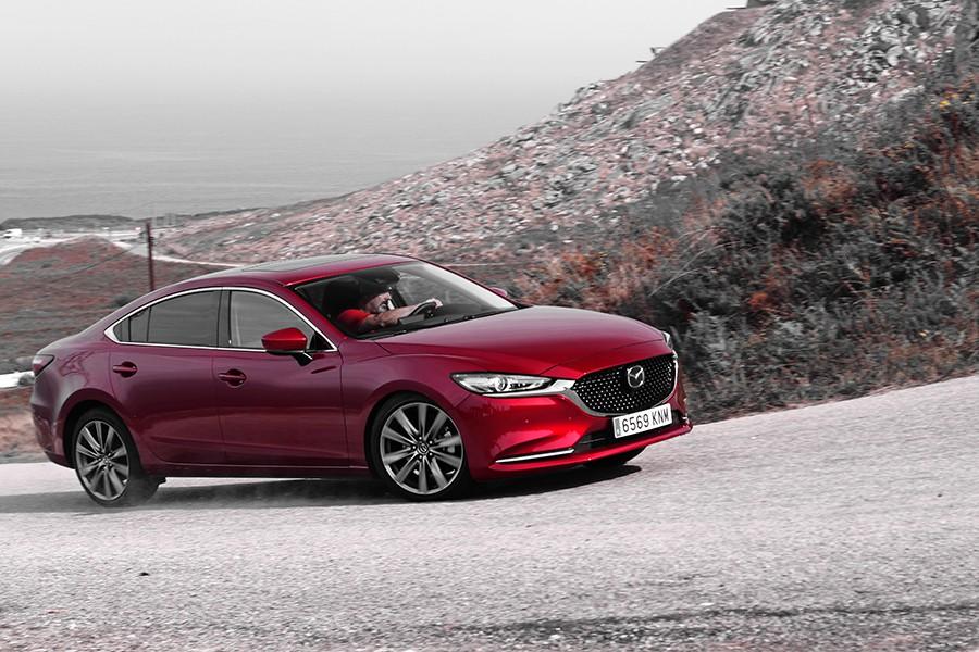 El Mazda6 es muy cómodo y fácil de conducir, con unas reacciones muy seguras.