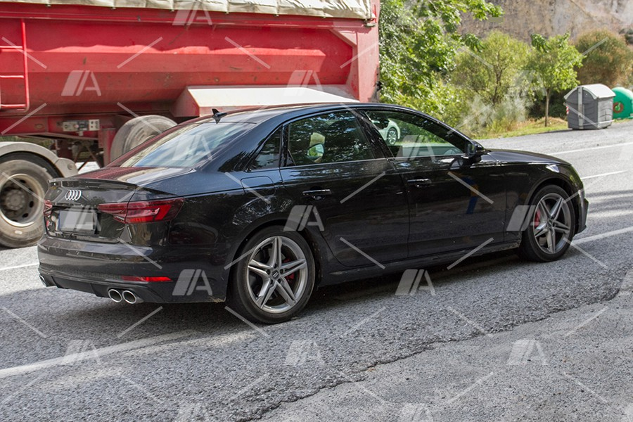 Los cambios siguen la línea marcada por la nueva imagen del Audi A4.
