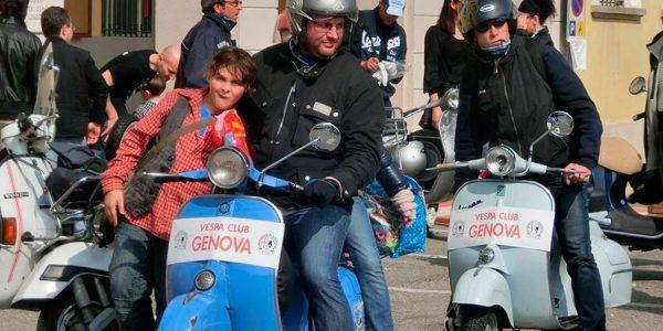Italia se manifiesta contra la prohibición de las Vespas