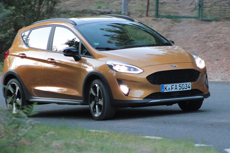Imágenes dinámicas del Ford Fiesta Active.