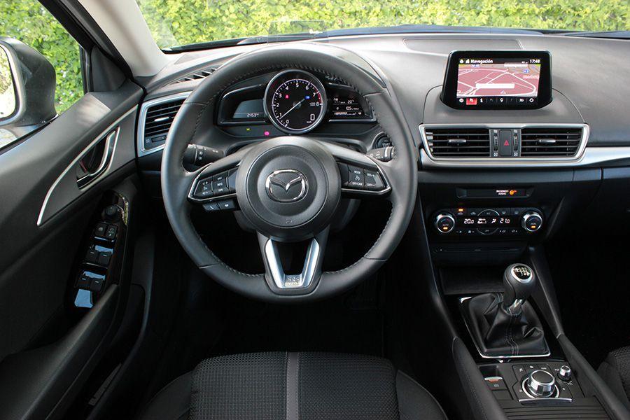 La ergonomía está muy bien estudiada en el Mazda3.