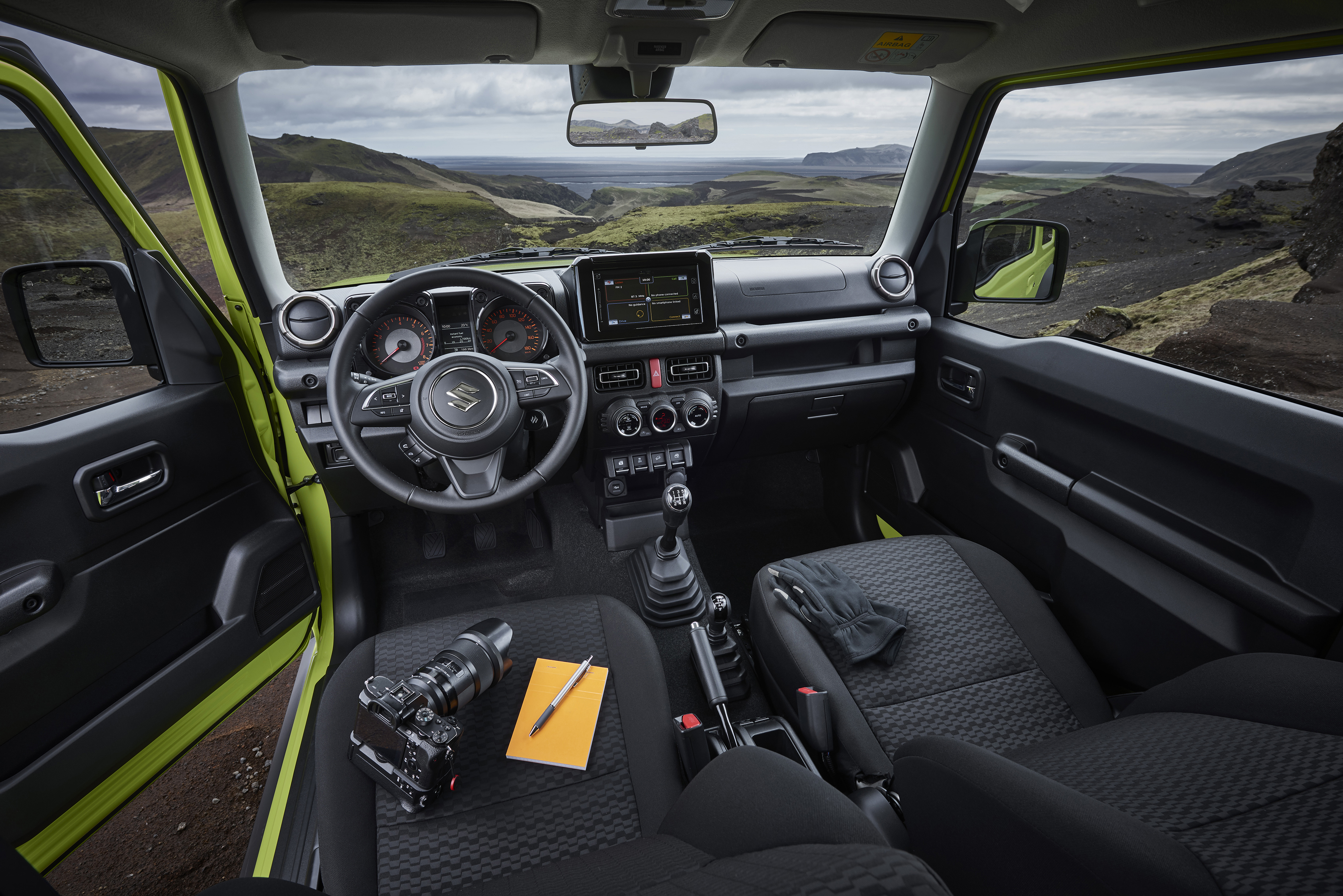 El interior del Suzuki Jimny no tiene lujos, pero es muy práctico