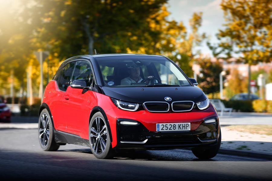 Imágenes dinámicas del BMW i3 S.