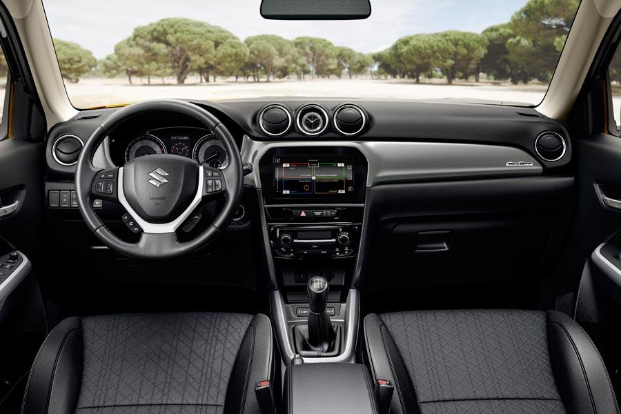 El interior del Suzuki Vitara 2018 está mejor rematado.
