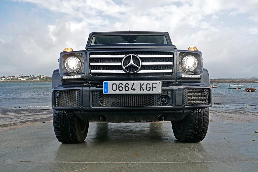 El frontal del Mercedes Clase G impone.