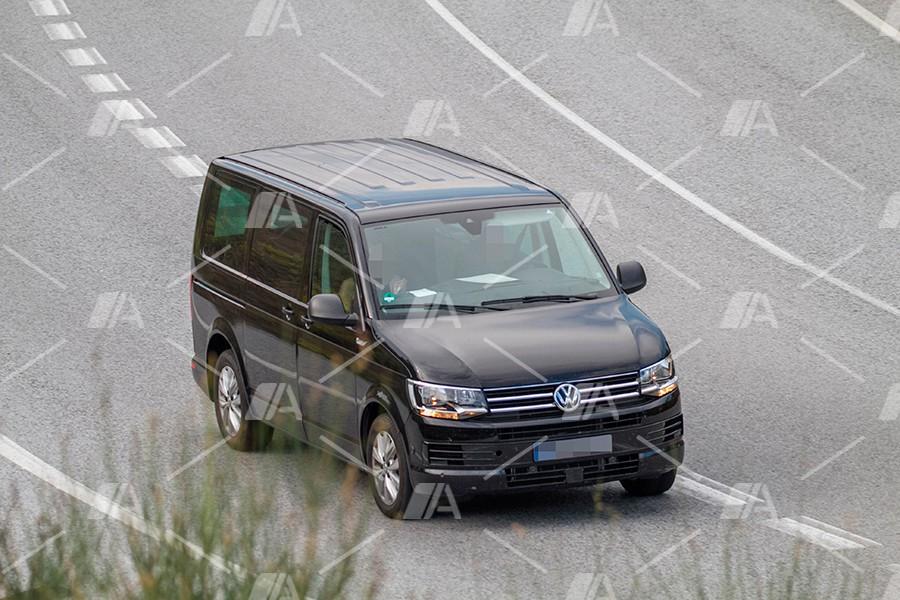 Fotos espia de la mula de la versión electrificada de la VW T7