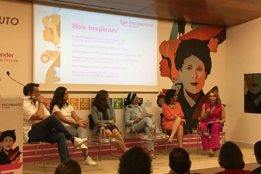 Los ponentes Jordi Carmona, Cristina Gutiérrez, Elena Gris, Soledad Fernández,Rocío Reinoso y María Luisa Contes.