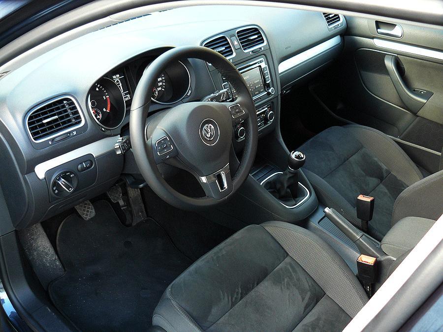 Volkswagen golf variant 2 0 tdi autocasi n for Interior golf variant