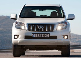 Frontal del Toyota Land Cruiser.