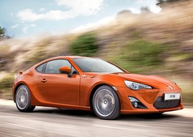 Toyota GT86, lateral