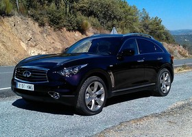 Infiniti FX, lateral