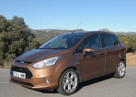 Ford B-Max, lateral