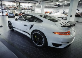 Solo se fabricarán 40 unidades del Porsche 911 Turbo S Exclusive GB Edition.