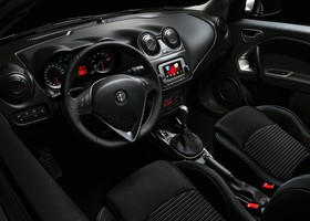 Alfa Romeo MiTo Junior interior