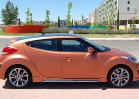 HYUNDAY-veloster-lateral-dere-3