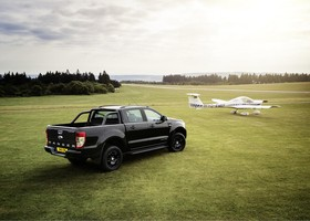 Ford Ranger Black Edition, una pisk up