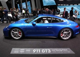 Porsche 911 GT3 Touring Package.