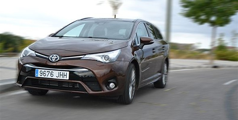 Prueba Toyota Avensis Touring Sports 150D Executive