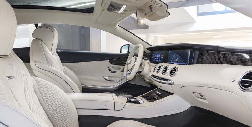 Interior Mercedes-AMG S 63 4MATIC+ Coupé.