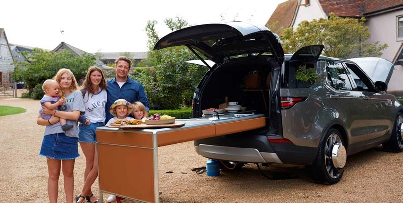 Land Rover Discovery, la 'food truck' del chef Jamie Oliver