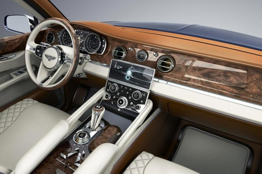 Interior del Bentley EXP 9 F.