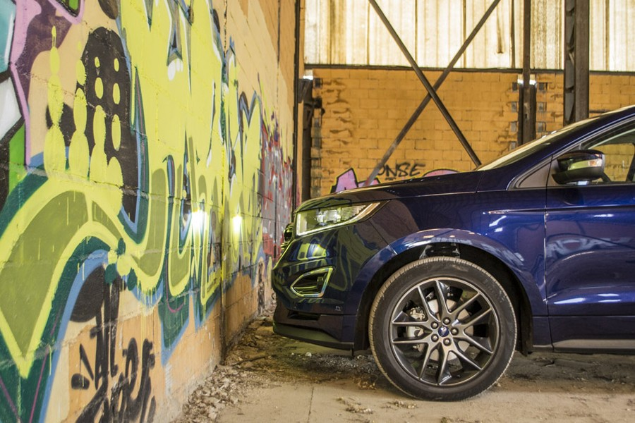 La gran superficie frontal del Ford Edge no ayuda en los consumos.