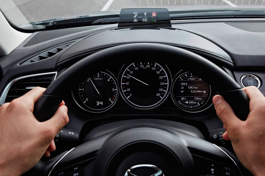 Con el restyling, el sistema Head Up display ha aumentado su resolución.