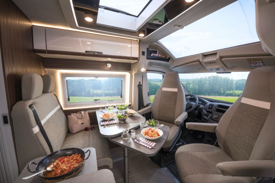 Poessl Summit 600 Prime Sitzgruppe 7960 - Holidays in the Covid era: 5 tips for traveling in a camper