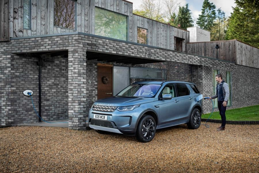 Land Rover Discovery Sport PHEV 2020.