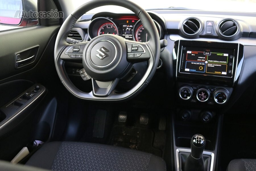 Suzuki Swift MHEV 2021 interior